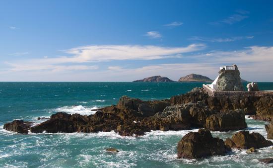 Lookout at Mazatlan coast Mexico (photo via belfasteileen / iStock / Getty Images Plus)