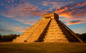 Most famous landmark of Yucatan and iconic symbol of Mexico. Kukulkan is the name of a Maya snake deity that also serves to designate historical persons (photo via JoseIgnacioSoto / iStock / Getty Images Plus)