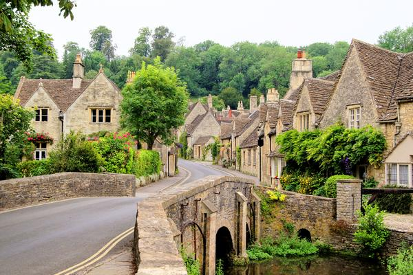 Explore the Cotswolds and the Royal County of Berkshire
