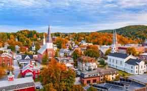 Montpelier, Vermont, USA autumn town skyline. (SeanPavonePhoto / iStock / Getty Images Plus)