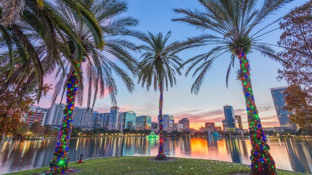 Orlando, Florida, USA Downtown at Eola Lake.  (Sean Pavone / iStock / Getty Images Plus)