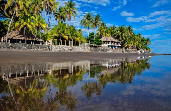 Playa El Zonte, El Salvador. (photo via hbrizard / iStock / Getty Images Plus)