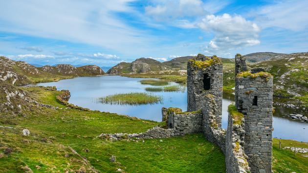 Ruins of Three Castle Head, County Cork, Ireland (Photo via e55evu / iStock / Getty Images Plus)