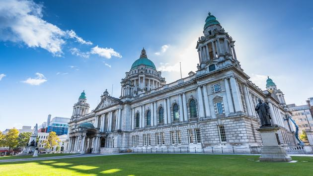 The city hall of Belfast North Ireland, Belfast city, Northern Ireland, UK (surangaw / iStock / Getty Images Plus)