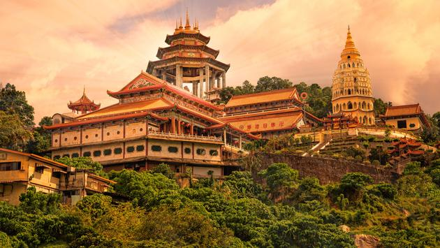 Buddhist temple Kek Lok Si in Penang (photo via MikeFuchslocher / iStock / Getty Images Plus)