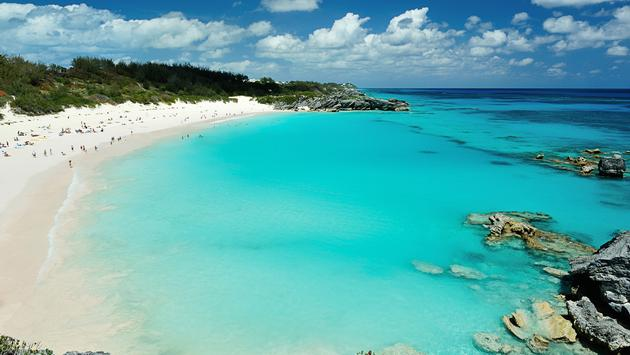 Pink beach in Bermuda islands (Photo via dimarik / iStock / Getty Images Plus)