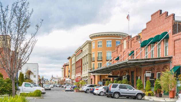 Scenery of the Napa downtown, California (MasaoTaira / iStock / Getty Images Plus)