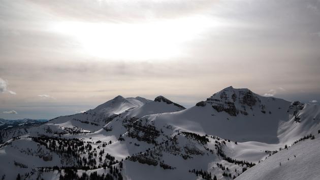 View of Cody Peak from Jackson Hole, Wyoming. (photo via Scott Raichilson / iStock / Getty Images Plus)