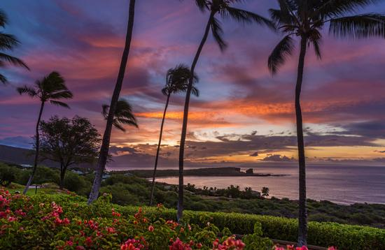 Sunrise over Menele Bay on the island of Lanai, Hawaii (Photo via IslandLeigh / iStock / Getty Images Plus)