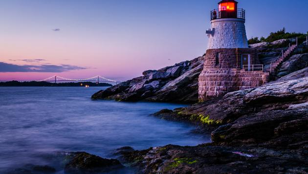 Castle Hill Lighthouse, Rhode Island (Posnov / iStock / Getty Images Plus)