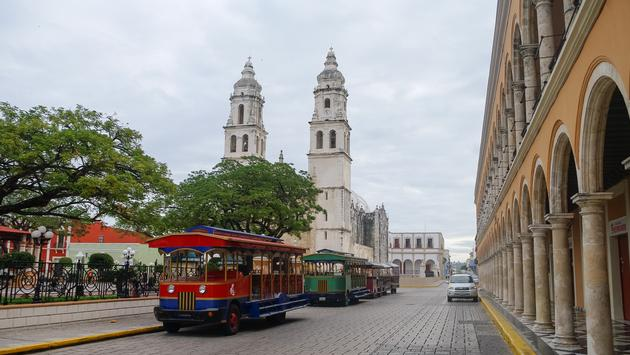 Independence Plaza in Campeche, Mexico .