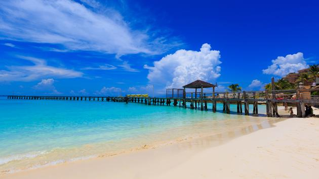 Beach in Mexico in a beautiful sunny day (Photo via cassiohabib / iStock / Getty Images Plus)