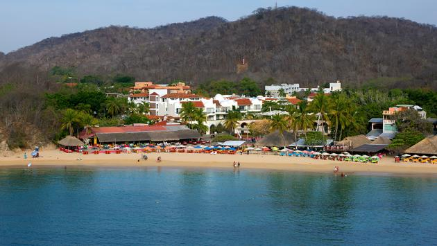 Huatulco Mexico.  (photo via User10095428_393/iStock/Getty Images Plus)