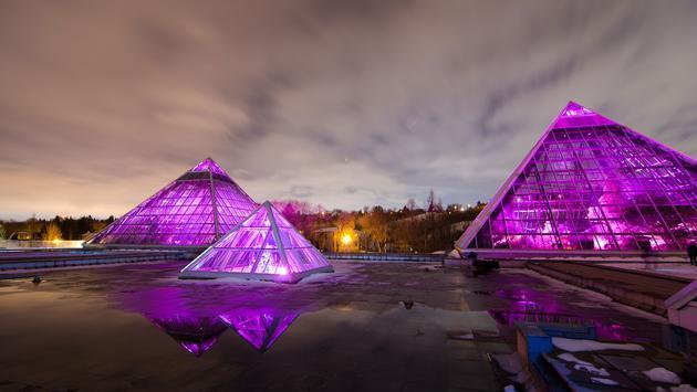 The Muttart conservatory located in Edmonton Alberta. (photo via discostu55 / iStock / Getty Images Plus)