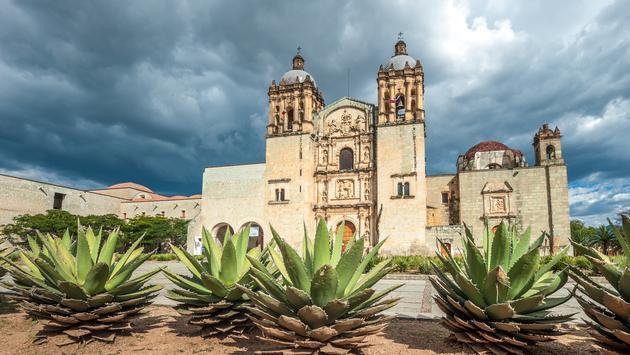 Church of Santo Domingo de Guzman in Oaxaca, Mexico (javarman3 / iStock / Getty Images Plus)