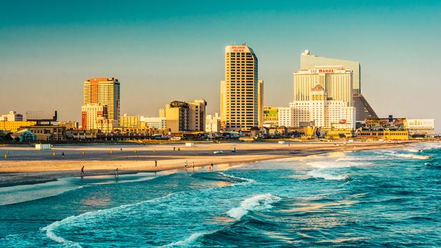 The skyline and Atlantic Ocean in Atlantic City, New Jersey. (AppalachianViews / iStock / Getty Images Plus)