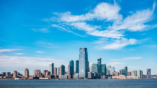 Panoramic view of New Jersey City skylines (bluebeat76 / iStock / Getty Images Plus)