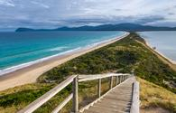 The Neck of Bruny Island, Tasmania (photo via Oliver_Koch / iStock / Getty Images Plus)