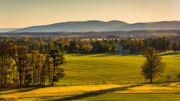 View of farm fields and distant mountains from Longstreet Observation Tower in Gettysburg, Pennsylvania. (AppalachianViews / iStock / Getty Images Plus)