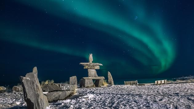Polar light by Hudson Bay, Churchill, Manitoba, CA. Early November, 2013 (photo via 2686832 / iStock / Getty Images Plus)