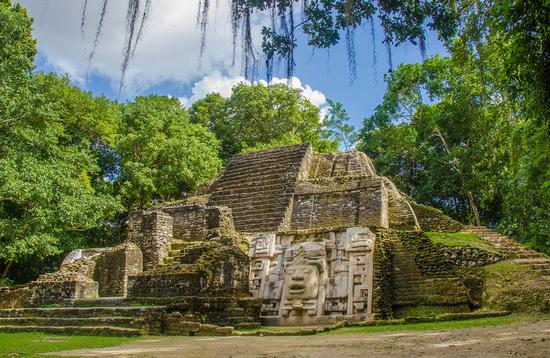 Lamanai Ruins in Belize (Photo via SimonDannhauer / iStock / Getty Images Plus)