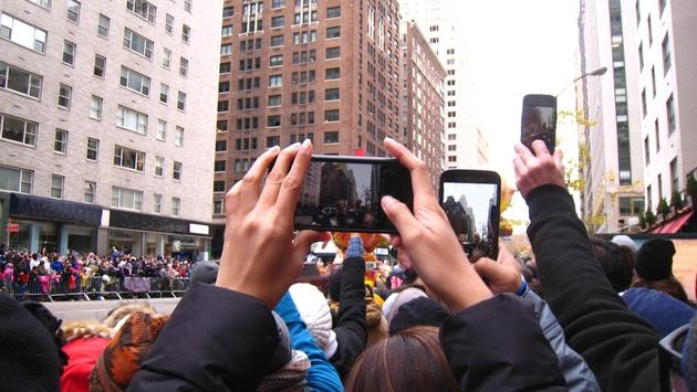 Cellphones at Macy's Day Thanksgiving Parade