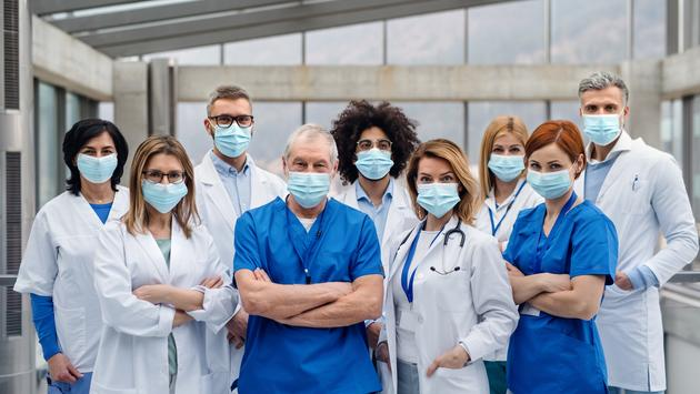 A group of doctors and nurses.