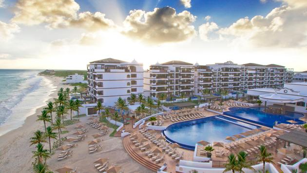Exterior of the Grand Residences Riviera Cancun, a Registry Collection Hote