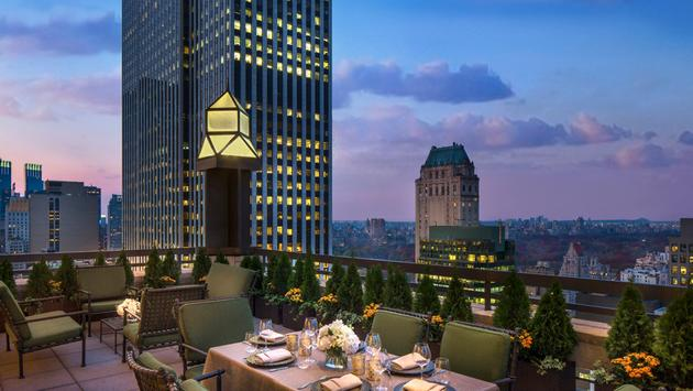 Outdoor dining at dusk at Four Seasons