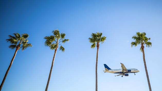 International flight landing in Los Angeles