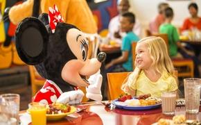Select Free Disney Dining plans include the option to attend a Disney Character  Dinner.
