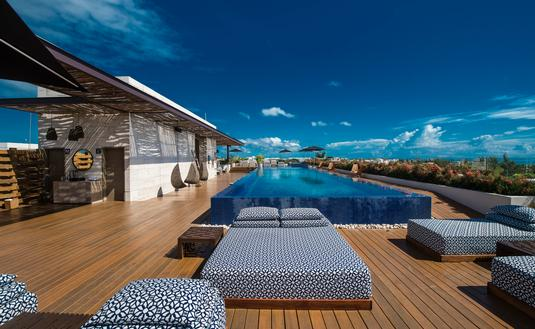 Rooftop pool at Live Aqua Playa Del Carmen
