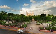 Plaza Grande en el centro de Mérida, Yucatán. Foto de la SEFOTUR)