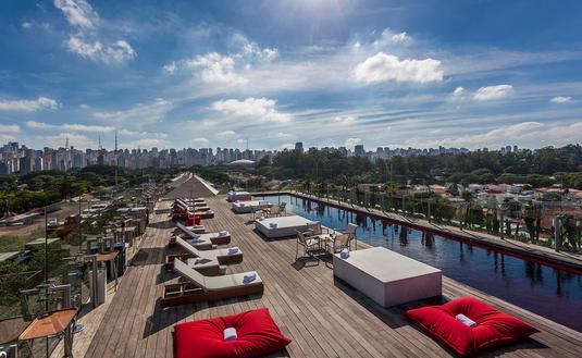 Hotel Unique rooftop pool