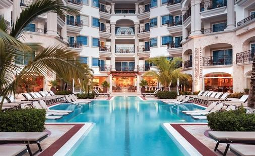 Hilton Playa Del Carmen Pool: UP TO 65% OFF: HILTON PLAYA DEL CARMEN