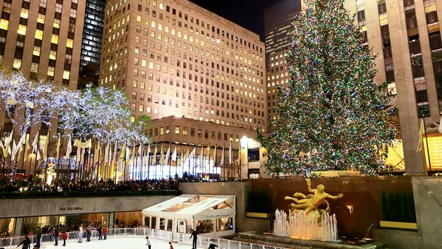 PHOTO: Christmas's tree at Rockefeller Center (photo via EarthScapeImageGraphy / iStock Editorial / Getty Images Plus)