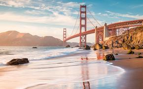 PHOTO: Golden Gate Bridge at sunset, San Francisco, California, USA (photo via bluejayphoto / iStock / Getty Images Plus)