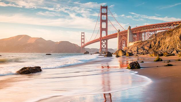 PHOTO: Golden Gate Bridge at sunset, San Francisco, California, USA (photo via bluejayphoto / iStock / Getty Images Plus)