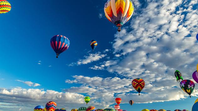 PHOTO: Albuquerque Hot Air Balloon Fiesta 2016 (photo via Different_Brian / iStock / Getty Images Plus)