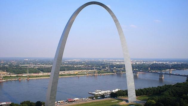 PHOTO: Gateway Arch  St. Louis, MO (photo via janeLLoyd Nichols / Flickr / Creative Commons)