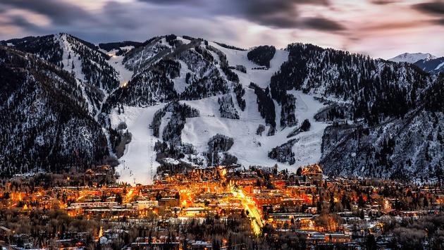 PHOTO: Aspen colorado overlook (photo via  Jonathan Ross / iStock / Getty Images Plus)
