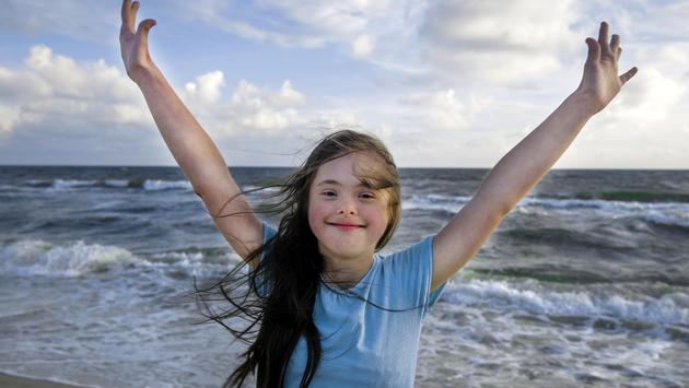 Downs syndrome, sea, girl