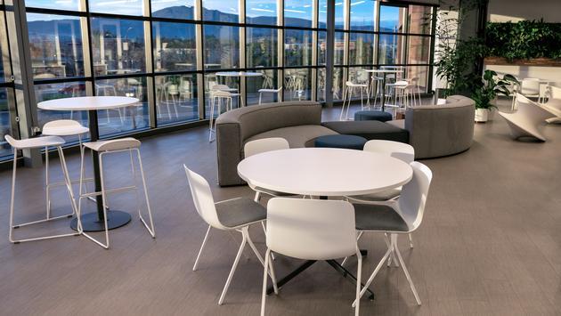 Avoya Travel Innovation Center Atrium Cafe.
