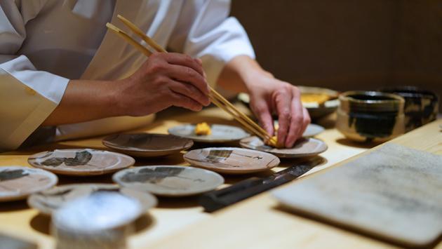 Four Seasons Hong Kong Opens Sushi Saito