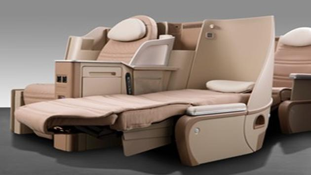 Lie-flat seating concept onboard Air Tahiti's new Dreamliner.