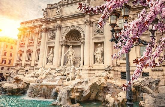 PHOTO: Fountain di Trevi in Rome, Italy (photo via sborisov / iStock / Getty Images Plus)
