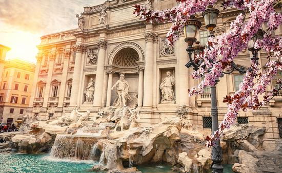 PHOTO: Fountain di Trevi in Rome, Italy (photo via sborisov / iStock / Getty Images Plus)