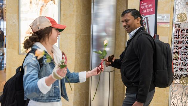 kindness, travelers, airport, passengers, roses