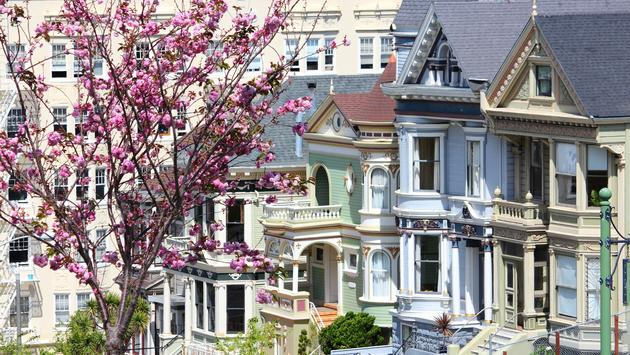 City view from San Francisco's famous Painted Ladies,