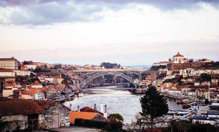 PHOTO: Dom Luis Bridge, Porto (photo via Hans Brunk)